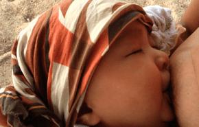 La batalla de la leche materna