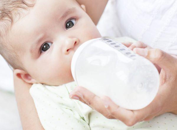 lactancia-mixta-beneficios.cantidades-comida