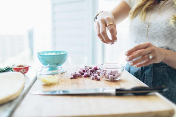 manos-hinchadas-dieta-saludable