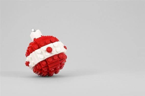 manualidades-ninos-navidad-adornos-arbol-lego