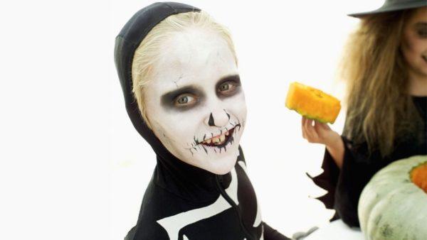 De 75 fotos de maquillaje halloween 2018 para ni os for Caras pintadas para halloween