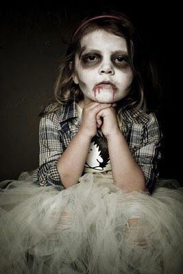 maquillaje-halloween-nina-muerta-sangre