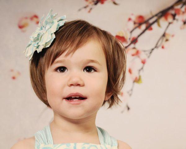 peinados-para-ninas-primavera-verano-2014-media-melena-bob-flor