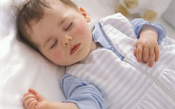 porque-se-nueve-bebe-cuando-duerme