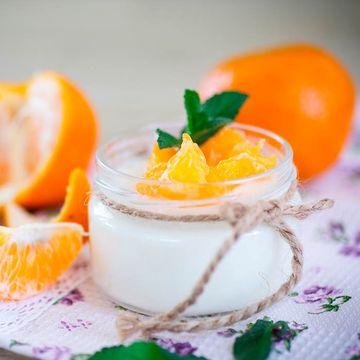 postres-de-navidad-para-embarazada-yogur-con-citricos-y-menta