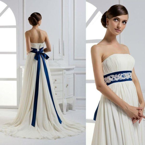 Vestidos de novia crema y azul