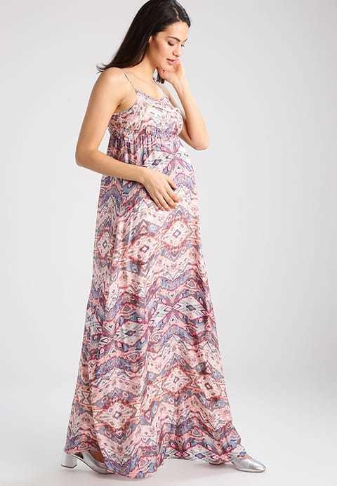 d68ee128f También de la firma Zalando tenemos este otro modelo de vestido de fiesta  que es largo y que se presenta además con el acierto de un buen estampado.