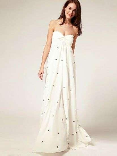 vestidos-de-novia-para-embarazadas-otoño-invierno-2017-faldon-con-detalles