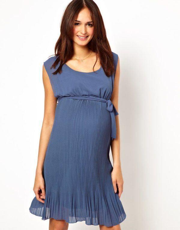 vestidos-para-embarazadas-invitadas-a-una-boda-plisado