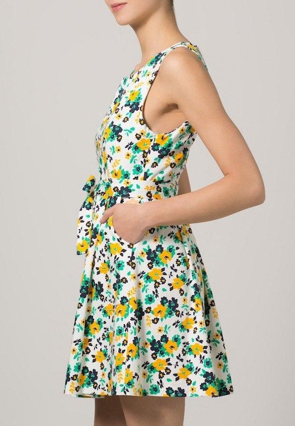 vestidos-para-embarazadas-invitadas-a-una-comunion-de-2014-modelo-zalando-modelo-flores