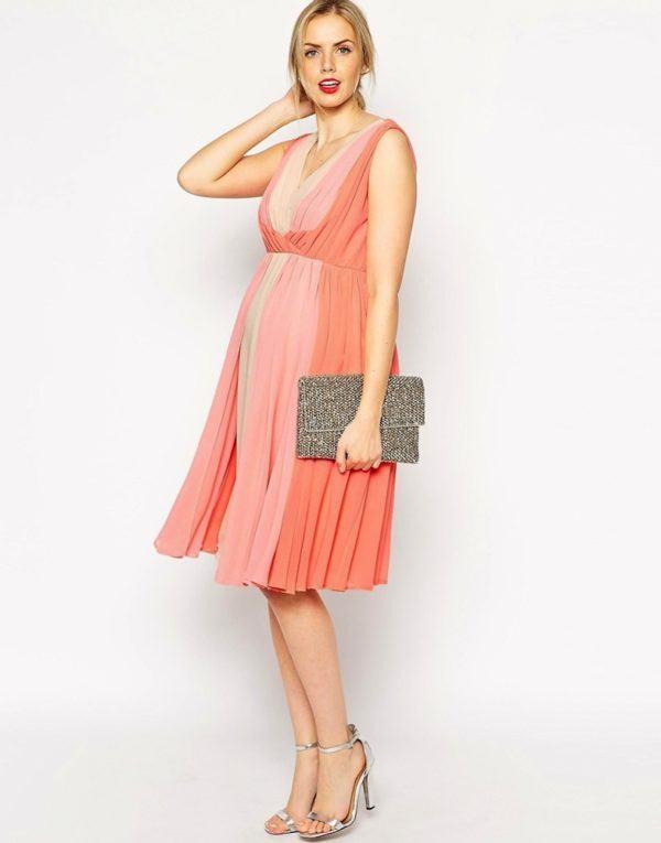 80100bb46 Colores corales. vestidos-para-embarazadas-invitadas-a-una-comunion-otono-